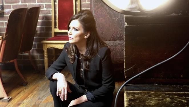 Backstage - Martina Mcbride-Mikel Cain - www.mikelcain