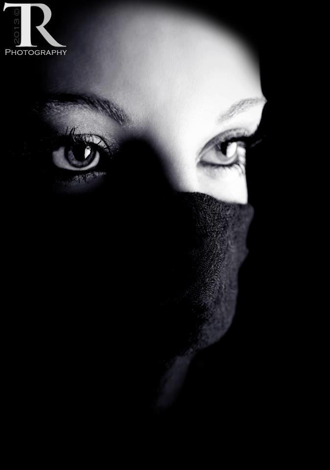 Model Mandi Galae - Mikel Cain